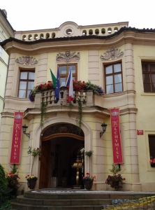 entrance to Hotel Alchymist